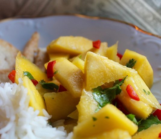 Dish with Chicken and Mango